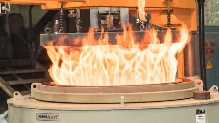 Нитроцементация стали — процесс насыщения поверхности стали одновременно углеродом и азотом.