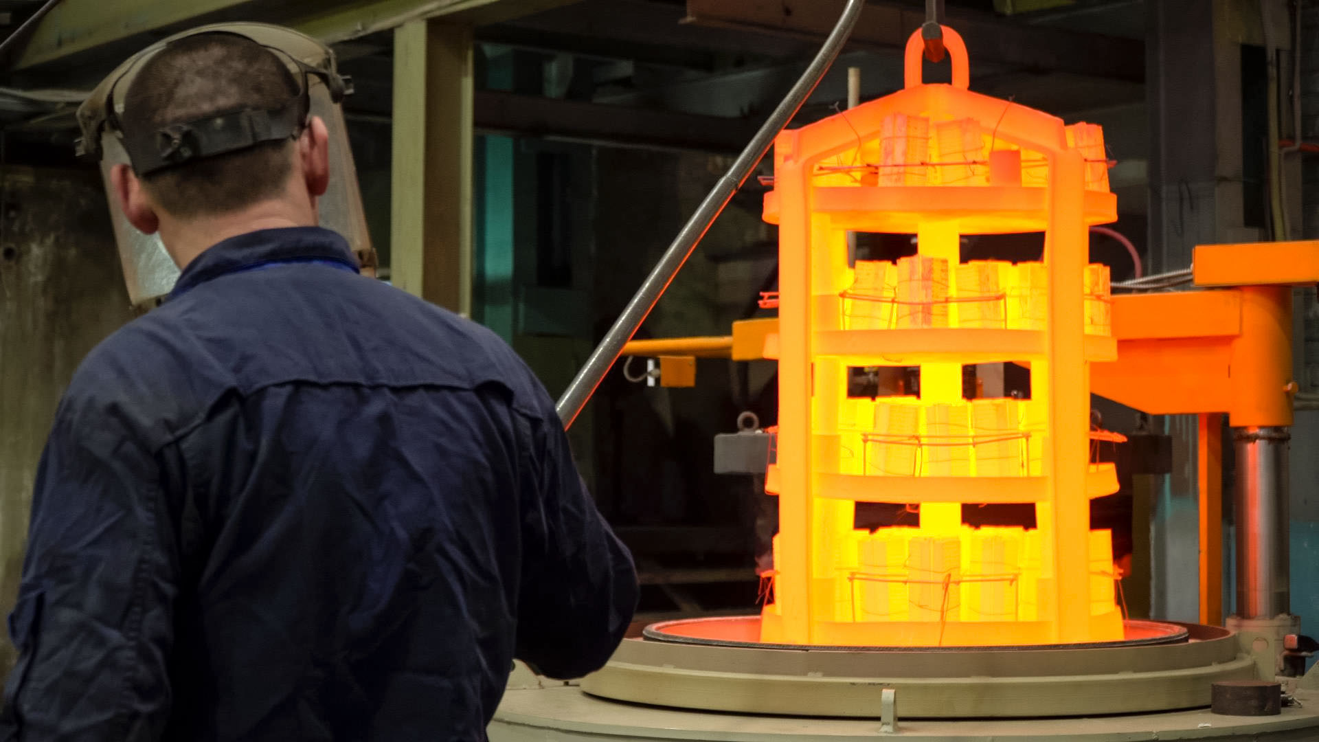 Закалка, как вид термической обработки металла подразумевает нагрев стали до температур выше критических